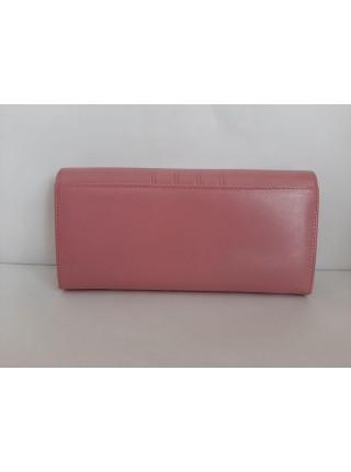 Розовый кожаный кошелек